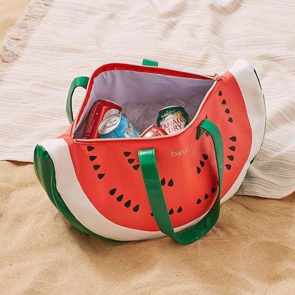 14 Summer Essentials That Every Beach Babe Needs
