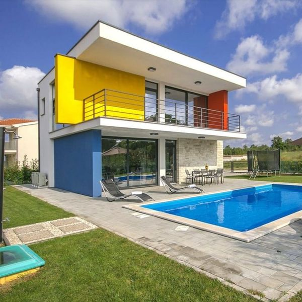 8 Colorful Houses Where You Can Live Out Your Rainbow Dreams