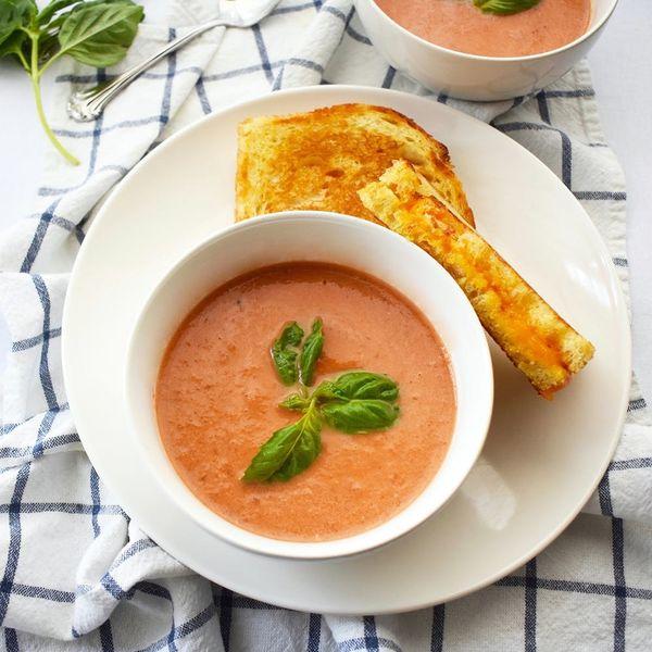 Celebrate Soup Season With One-Pot Roasted Tomato Soup