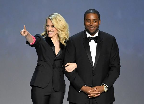 Emmys 2018: Watch Kate McKinnon and Kenan Thompson Poke Fun at Hollywood's Diversity Problem
