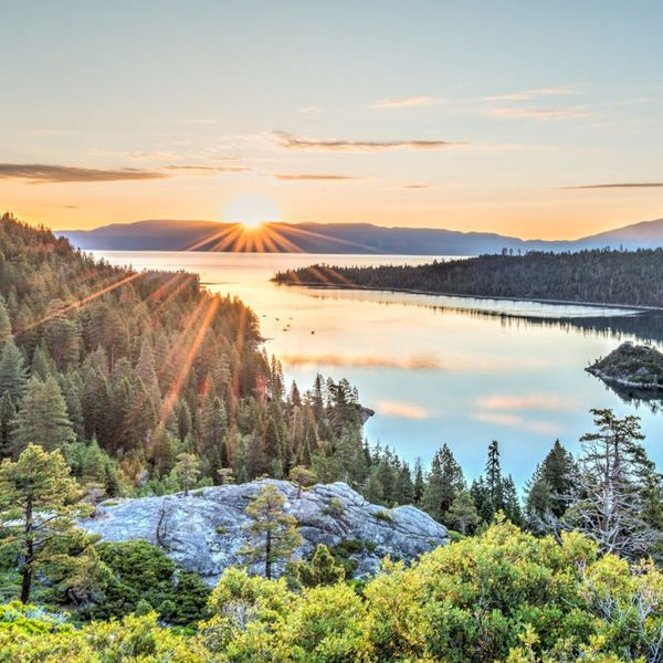 5 Destinations for a Memorable End-of-Summer Vacation