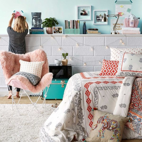 Headed to College? Here Are 4 Easy Ways to Decorate Your Dorm