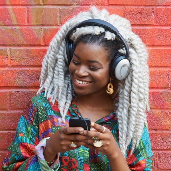 Here's How to Prevent Headphones from Damaging Your Hearing