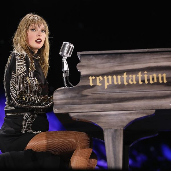 Taylor Swift Says'Reputation' Is About 'Finding Love Throughout All the Noise'