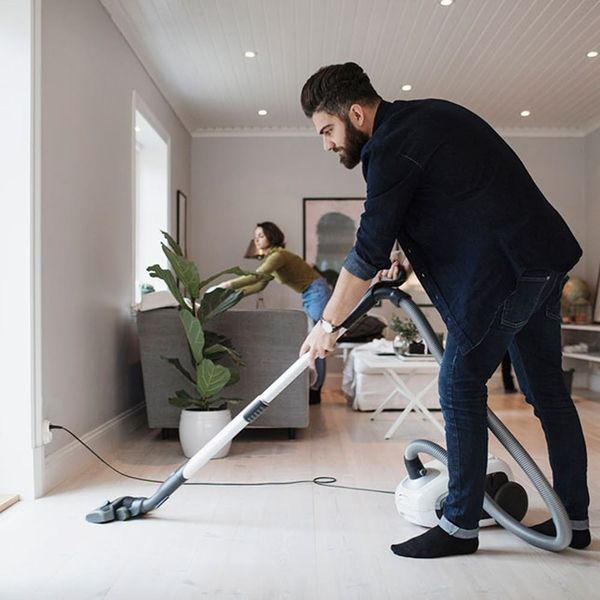 How to Divvy up Household Chores and Still Maintain a Happy Relationship With Your S.O.