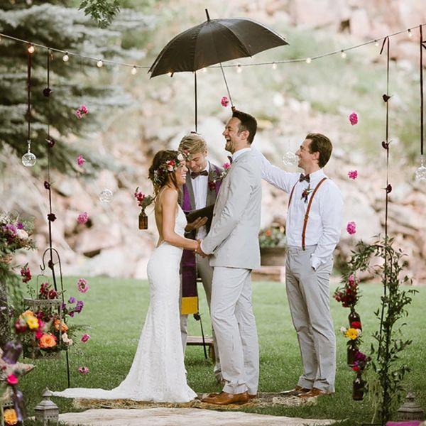 13 Ways to Rock Rainy Wedding Day Photos