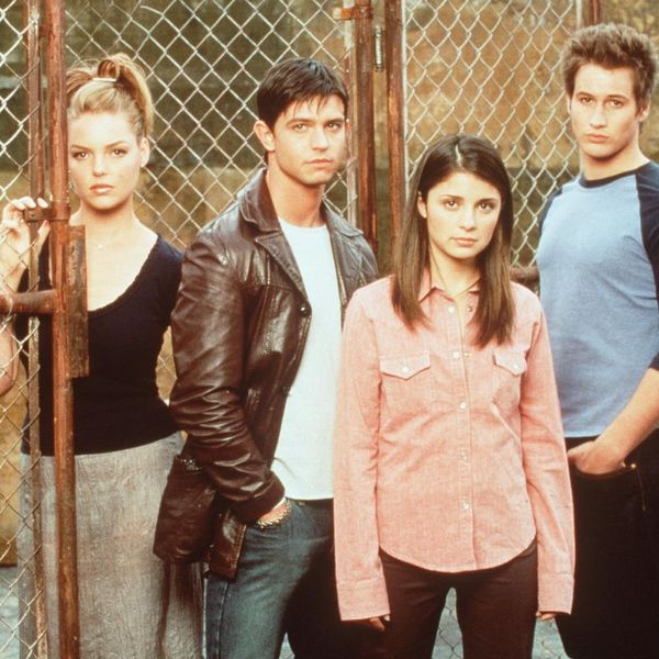 """The CW Is Working on a """"Roswell"""" Reboot"""