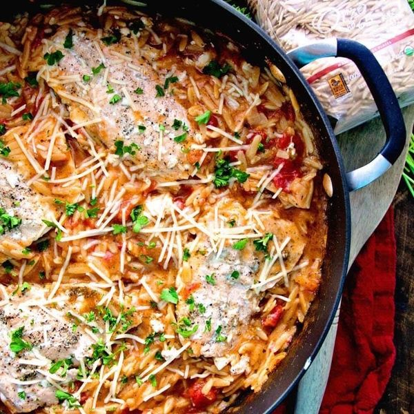 10 Easy One-Pot Recipes That Pair *Perfectly* With Red Wine