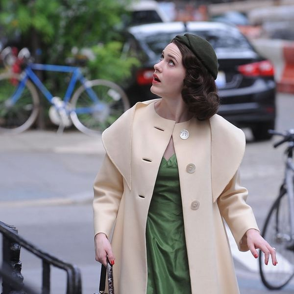 """""""Gilmore Girls"""" Creator's Hilarious New Show """"The Marvelous Mrs. Maisel"""" Finally Has a Trailer and Premiere Date!"""