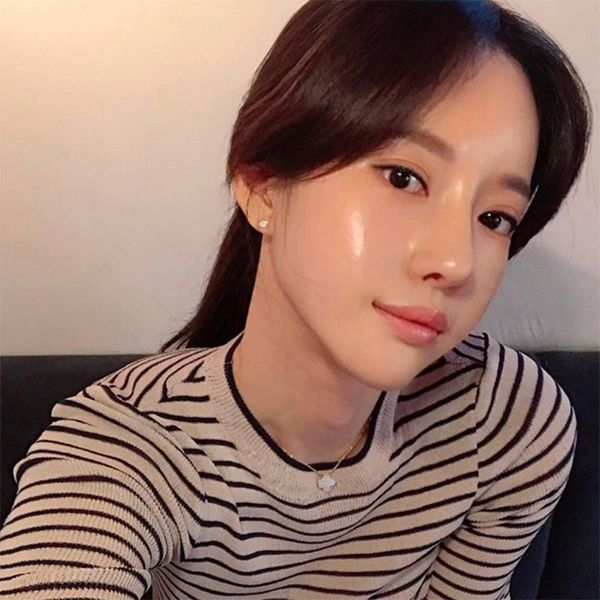 Glass Skin Is the Korean Beauty Trend That Was Made for Selfies
