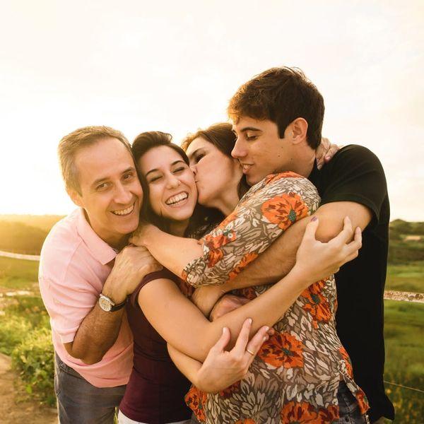 6 Ways to Cheer Up Your Empty-Nesting Parents