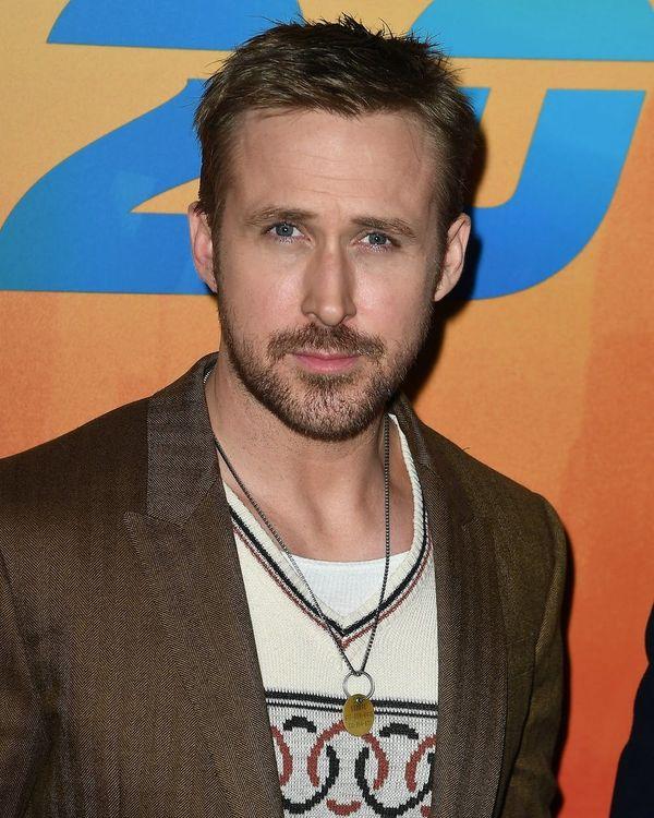 "See ""La La Land"" Stars Emma Stone and Ryan Gosling Reunite Onstage for ""SNL"""