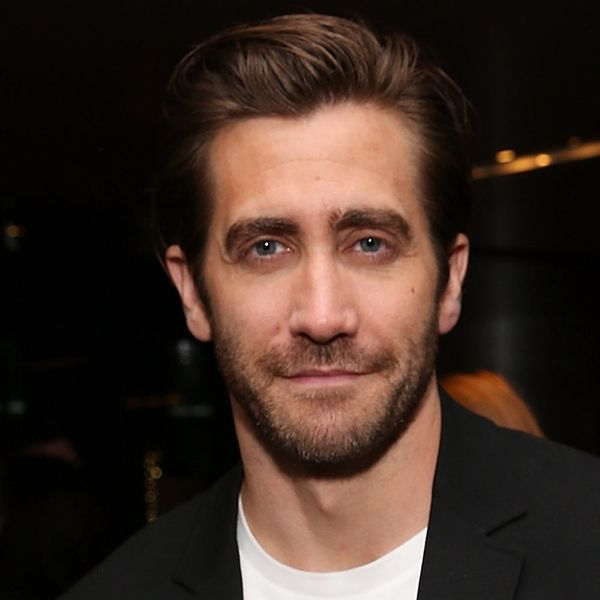 """Jake Gyllenhaal Wants to Be """"Set Up"""" on Dates More Often"""
