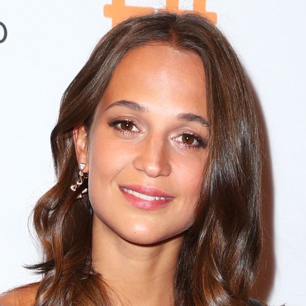 Alicia Vikander's Fresh New 'Do Proves the Lob Will Live on for Fall 2017
