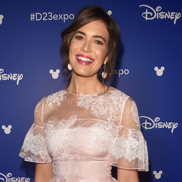 "Mandy Moore's ""This Is Us"" Costars Just Confirmed She's Engaged to BF Taylor Goldsmith!"