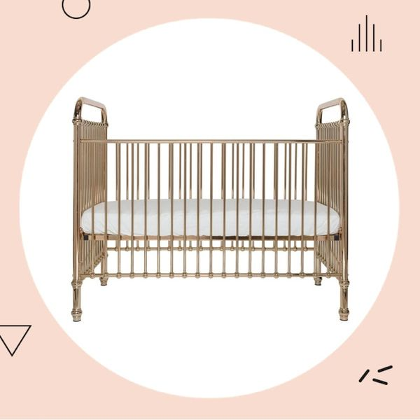 Serena Williams' Baby Girl Sleeps in *This* Rose Gold Crib