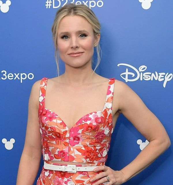 Kristen Bell Is Making the Best of a Bad Situationat aHurricane Irma Shelter
