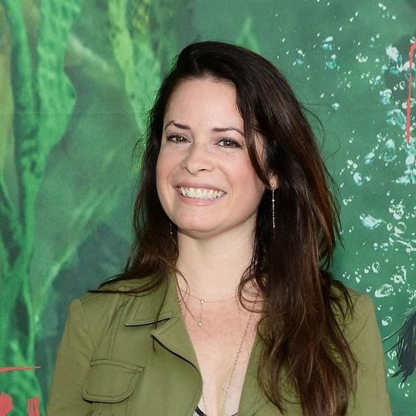 """""""Charmed"""" Star Holly Marie Combs Just Got Engaged and Her Ring Is a Stunning Sight to Behold"""