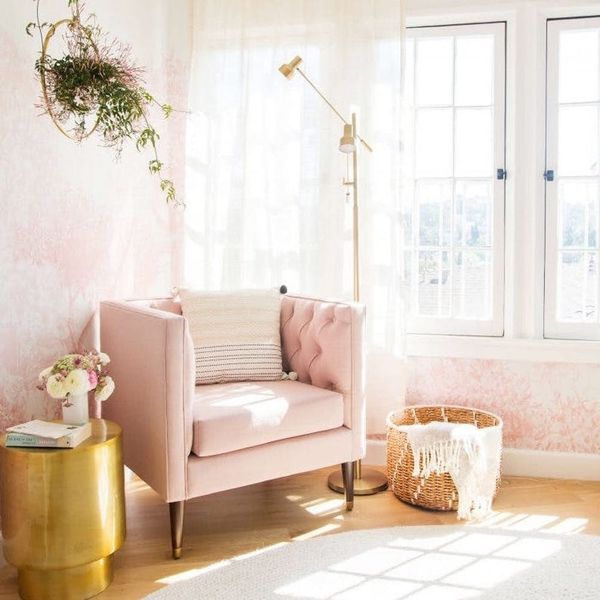 8 Clever Ways to Decorate That Empty Corner in Your Home