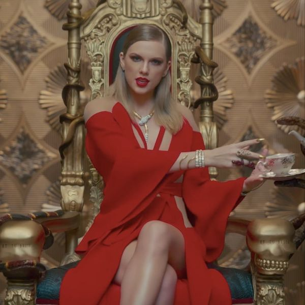 Taylor Swift Just Knocked Her Own Song Out of the Top Spot on iTunes
