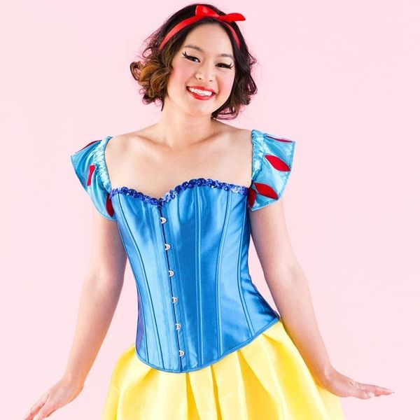 How to DIY the Classic Snow White Costume for Halloween