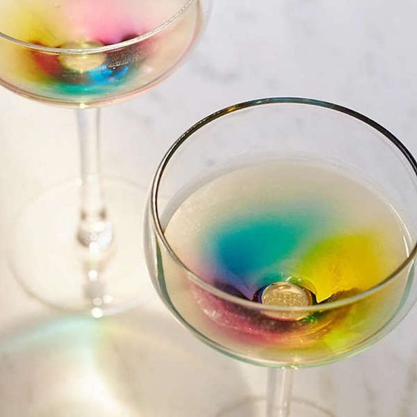 These Wine Glasses Put RAINBOWS into Your Champagne