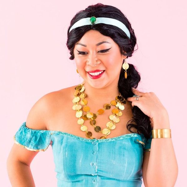 Take a Flying Carpet Ride With This DIY Jasmine Halloween Costume