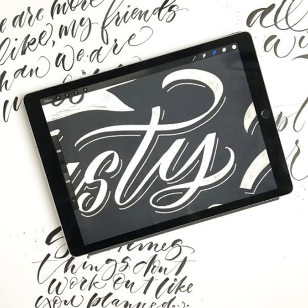 4 Online Classes That Will Have You iPad Lettering in No Time