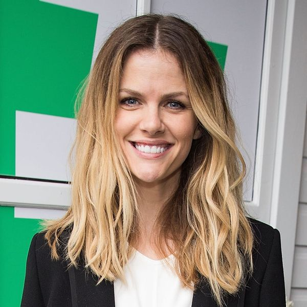 Brooklyn Decker Just Became Your New Fave Hosting Guru