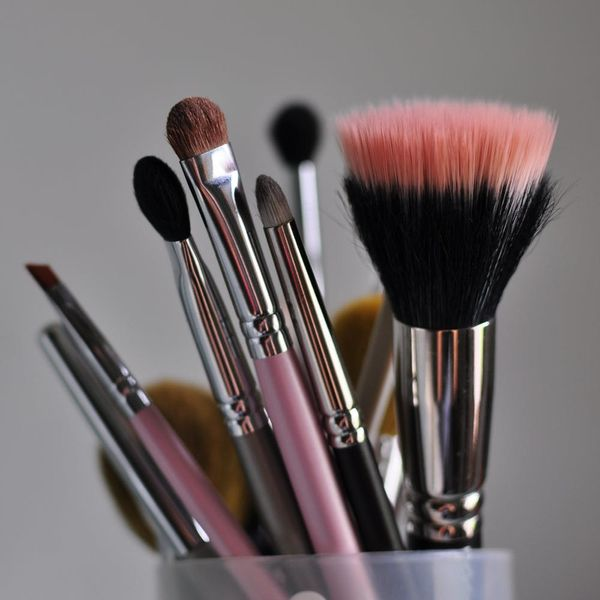 This Woman's Trip to the Emergency Room Will Convince You to Clean Your Makeup Brushes