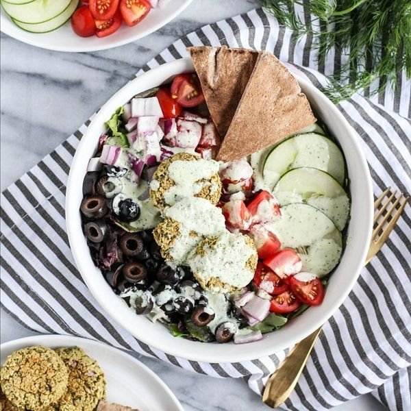 15 Mediterranean-Inspired Recipes for Your Outdoor Dinners