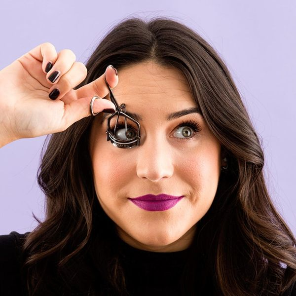 We Tried the Bizarre Lower Lash Curling Hack That Took Over Instagram