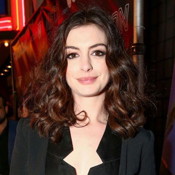 Morning Buzz! Anne Hathaway Might Replace Amy Schumer in the Barbie Movie + More