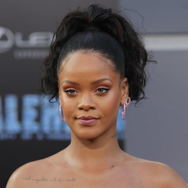 The Best Twitter Reactions to Rihanna's Over-the-Top Valerian Premiere Gown