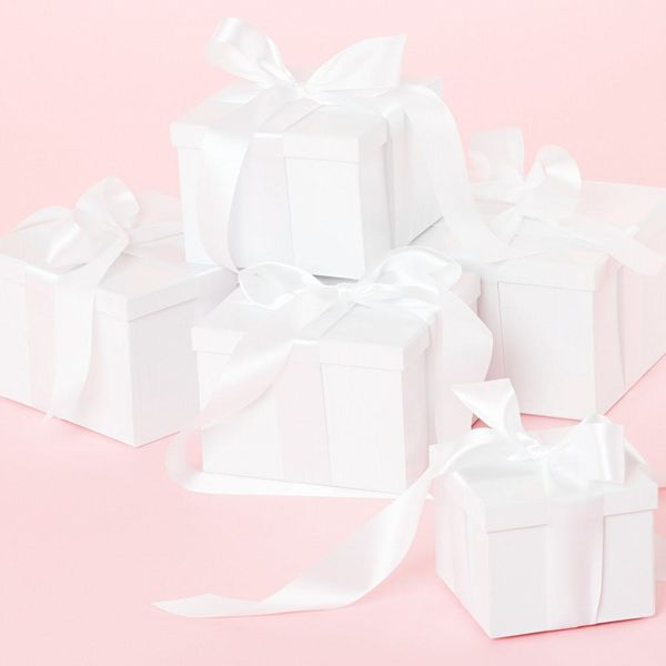 Experts Say This Is How Much Cash You Should Give As a Wedding Gift