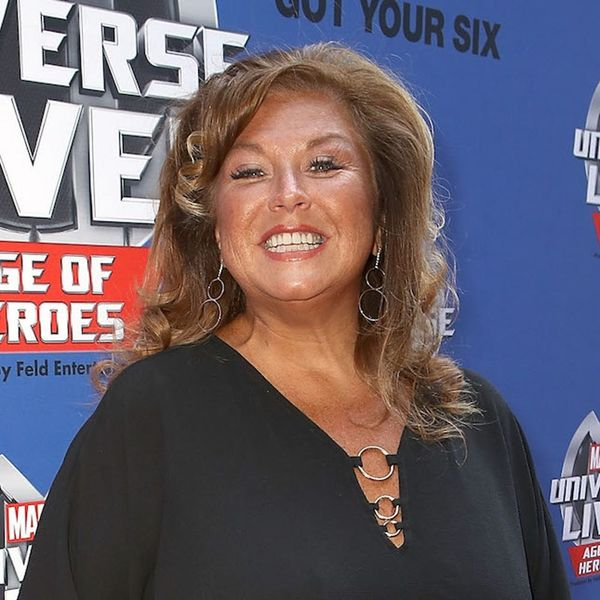 """Morning Buzz! Dance Moms Star Abby Lee Miller Officially Reports to Prison on an """"Extremely Emotional Day"""""""