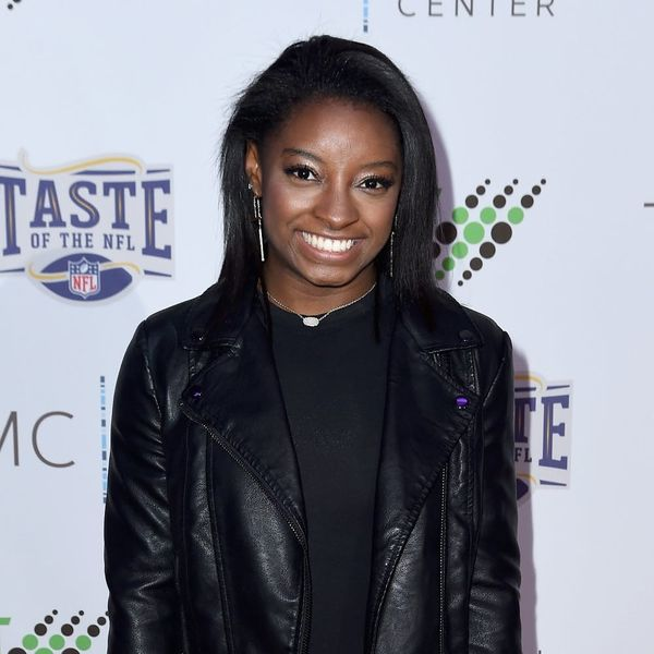 """Simone Biles Fully Shut Down a Hater Who Called Her a """"Sucky Role Model"""""""
