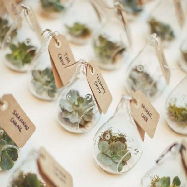 14 Botanical Wedding Favors for Your Greenery-Themed Wedding