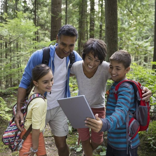 7 Apps to Help You Make the Most of Your Family Vacation