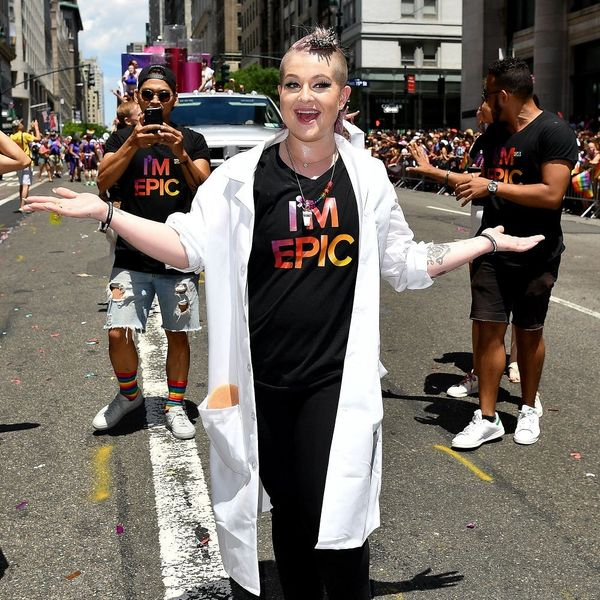 Kelly Osbourne Peed Her Pants at NY's Pride Parade and Is Blaming Starbucks
