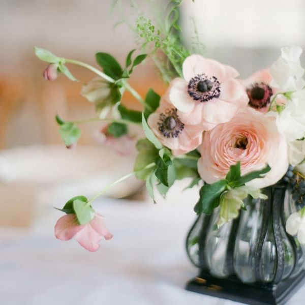 This Flower Is Taking Over the Wedding Floral Scene
