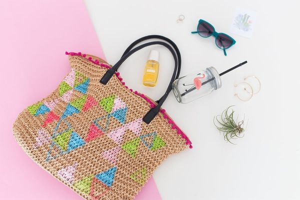 DIY This Tote Bag to Get Ready for Your Next Beach Party