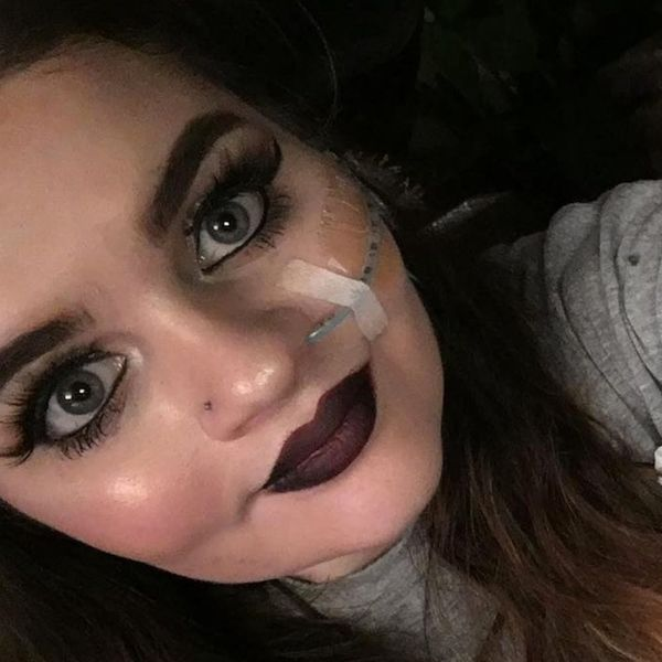 This Aspiring Makeup Artist Isn't Letting Her Feeding Tube Stop Her Dreams