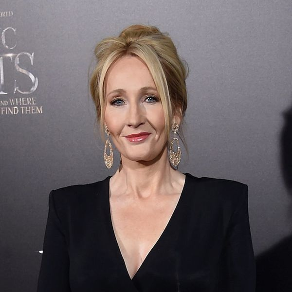 Morning Buzz! J.K. Rowling Gives Zero Cares As She Blasts Trump Over Paris Climate Agreement + More
