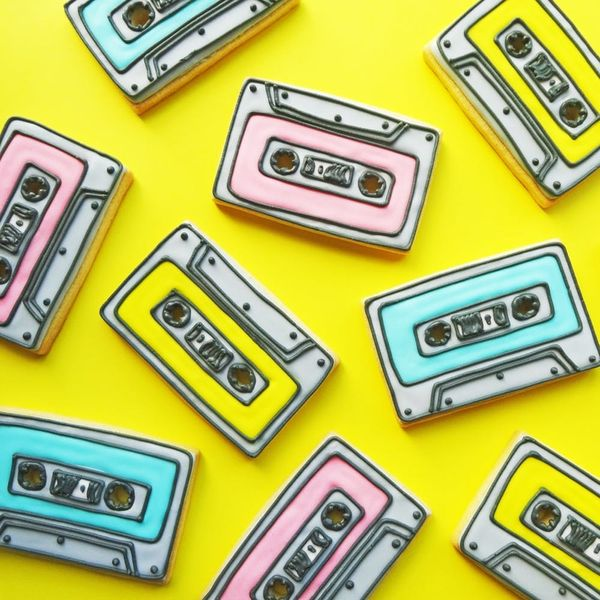 Let's Rock 'n' Roll With These '90s-Themed Cassette Cookies