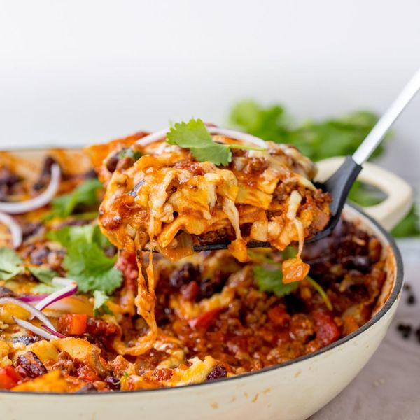 Only 30 Minutes Remain Between You and ThisBeef Chili Skillet Lasagna Recipe