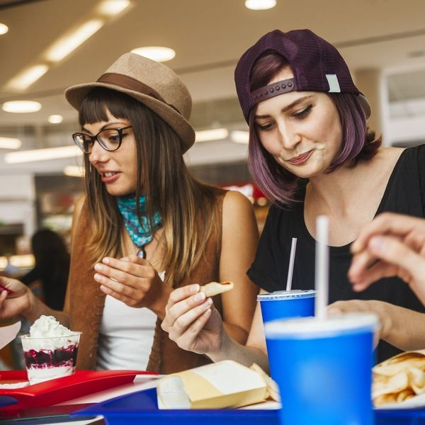 How to Eat Healthy in the Mall Food Court