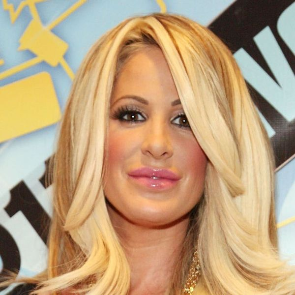 Kim Zolciak-Biermann Just Went Au Naturale With a Stunning Wig and Makeup-Free Selfie