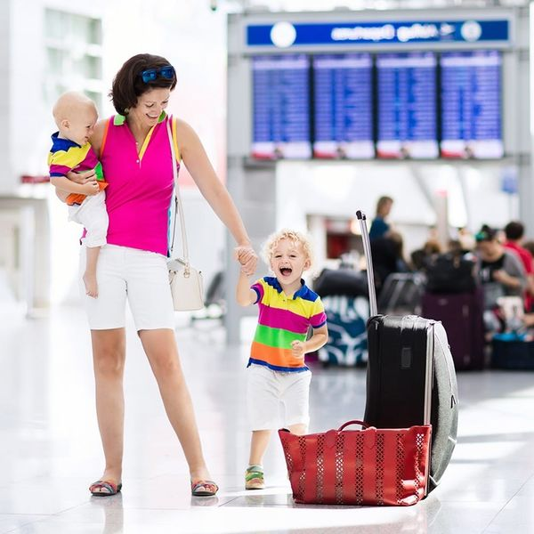 10 Packing Tips for Traveling Moms