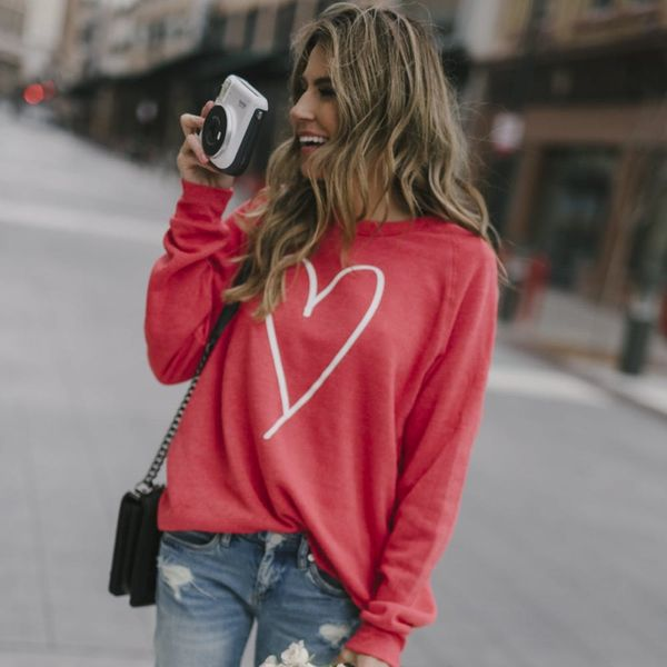 5 Simple Valentine's Day Looks for Any Occasion